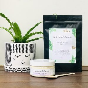 Gift Pack with Plant, body scrub and bath soak